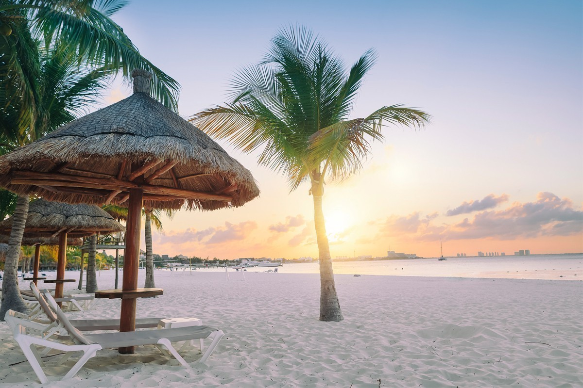 ACV's Winter Early Bird sale saves your clients $400 to select destinations!