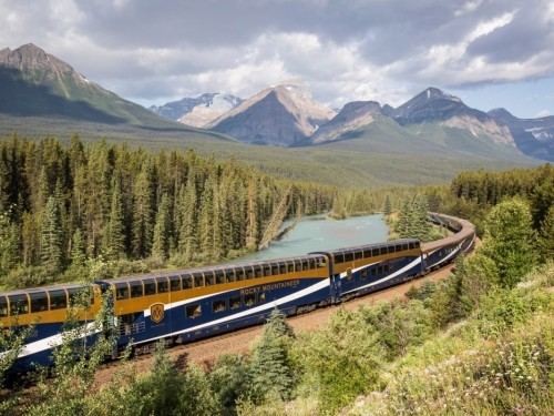 Rocky Mountaineer updates suspension through October