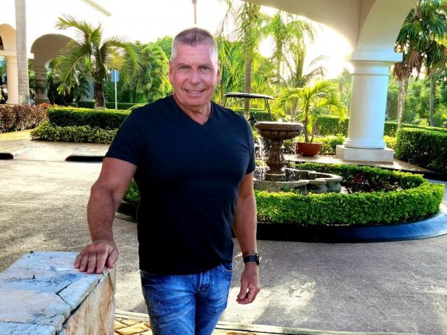 Monday Minute: Kemp World Travel's Joe Kemp