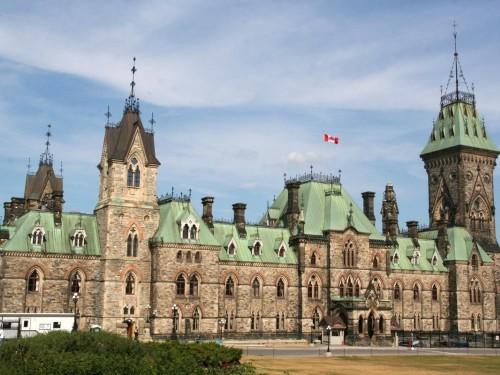 Ottawa extends small-business rent relief program