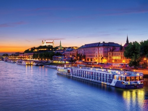 AmaWaterways' solo travel offer; booking deadline for select 2021/22 cruises extended