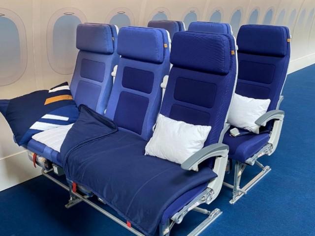 "Lufthansa trialling ""Sleeper's Row"" lie-flat economy seats"