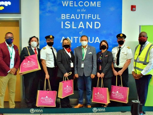 Sunshine calling: Air Canada returns to Antigua