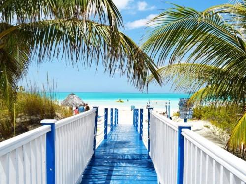 Cuba unrolls COVID-19 testing at hotels in select destinations
