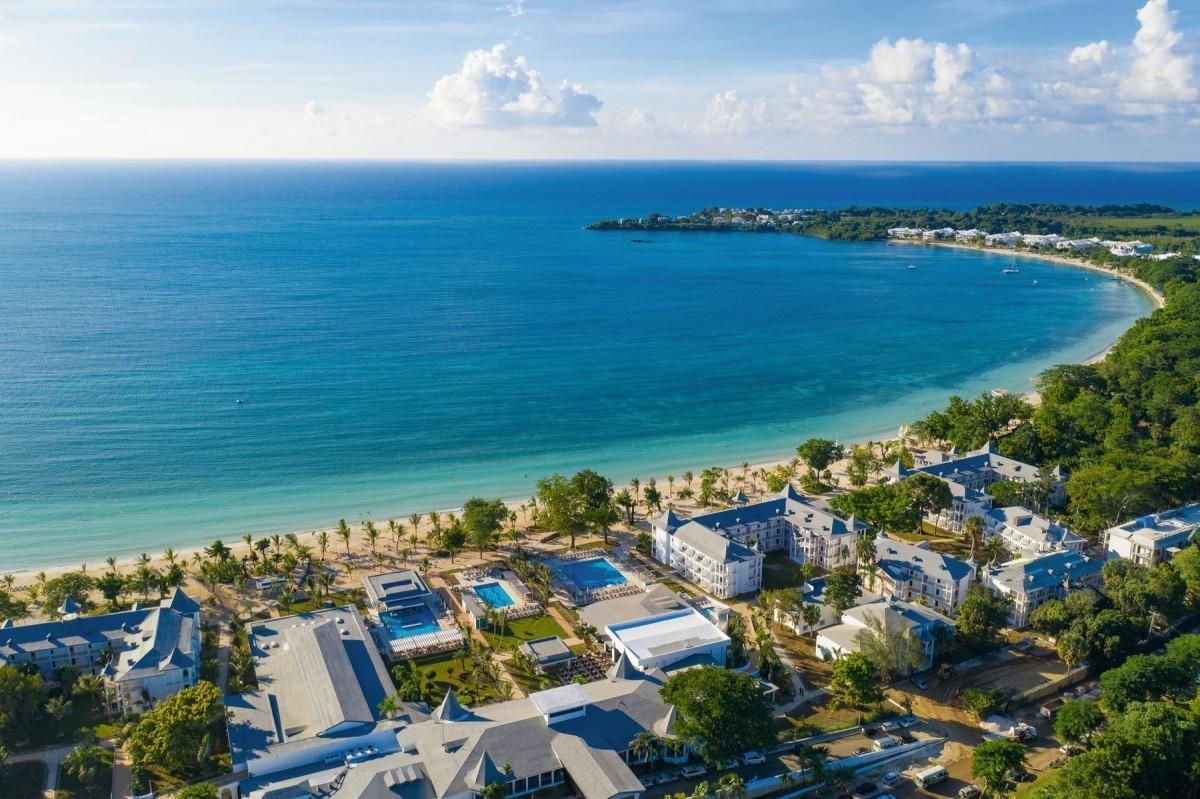 RIU celebrates 20 years in Jamaica