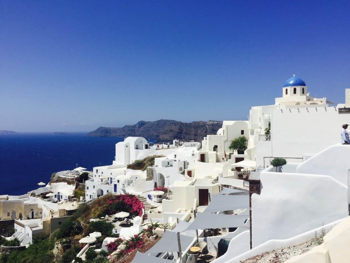 Greece planning to reopen tourism May 14; rapid testing part of the plan