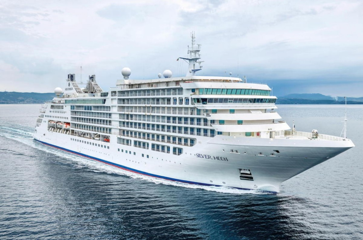 Silversea to require full vaccination; Silver Moon voyages from Greece starting in June