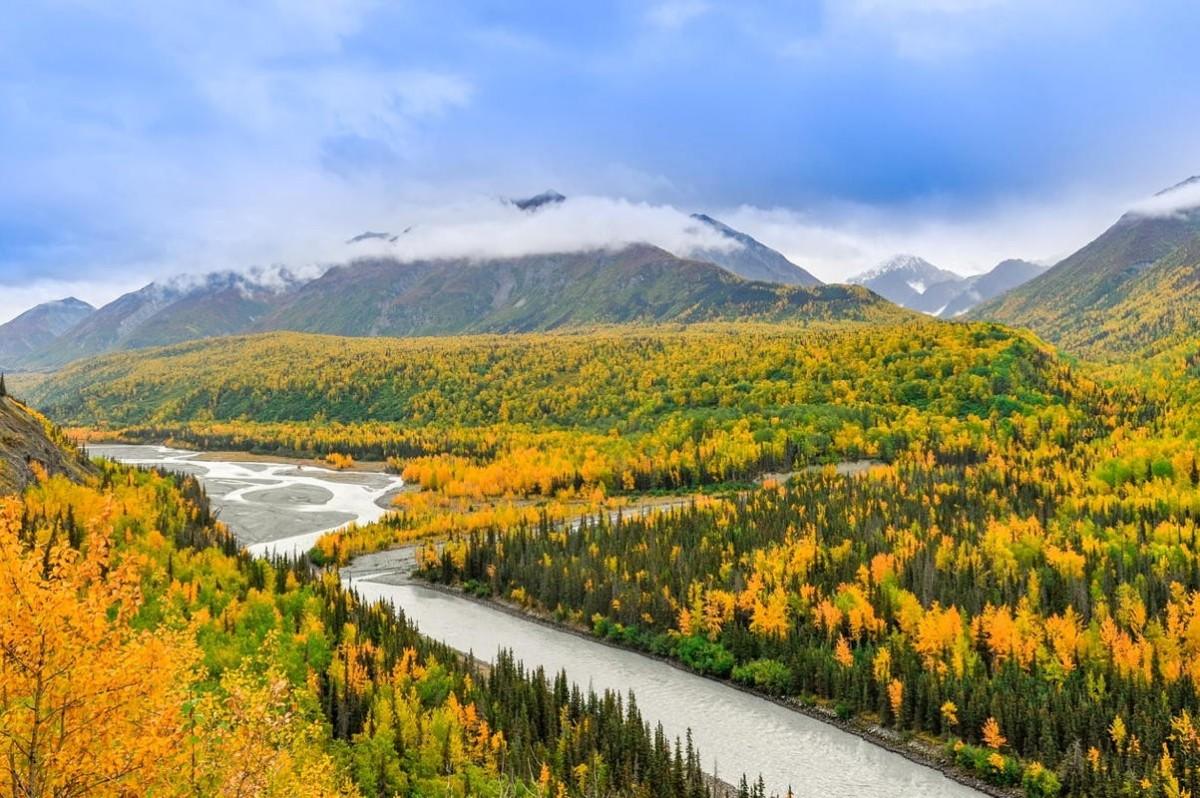 Alaska will offer tourists COVID-19 vaccines starting June 1