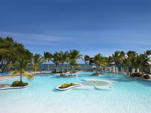 Coconut Bay Beach Resort unveils booking bonuses, free stays for Canadian agents