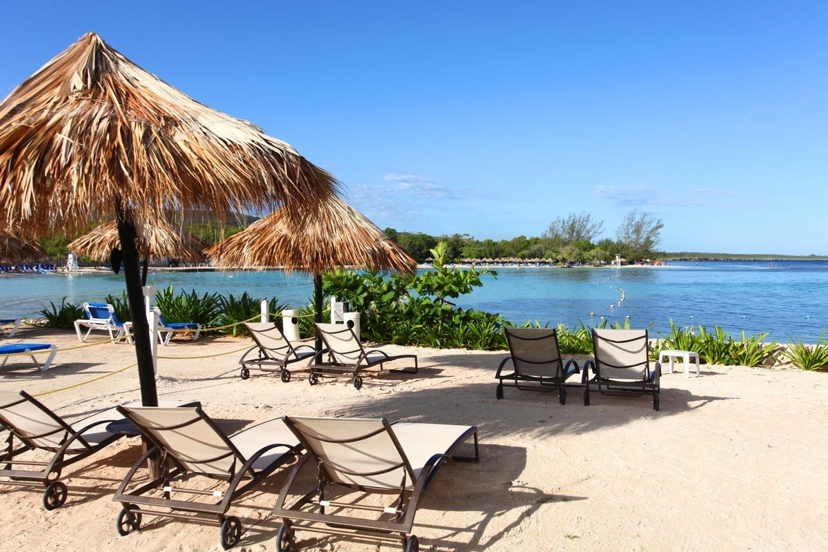 Adults-only Bahia Principe Luxury Runaway Bay to reopen on Sept. 1