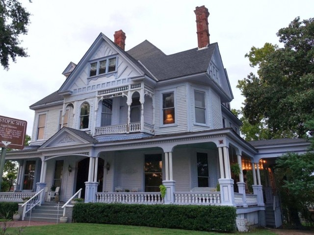 Ghost stories, paranormal activity & famous hauntings in Louisiana