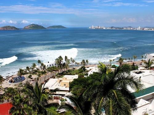 Swoop resumes flights from Canada to Mazatlán